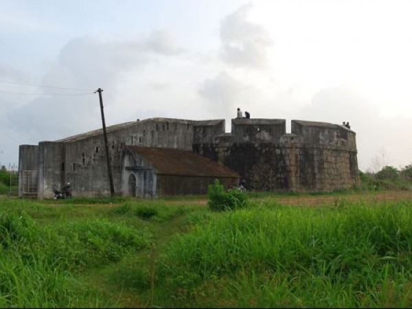 Mangalore photos, Sultan Battery - Exterior View of the Fort