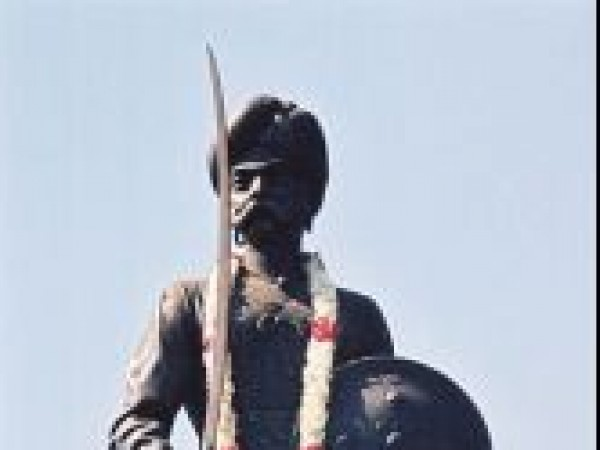 Bangalore photos, Statue of Kempegowda