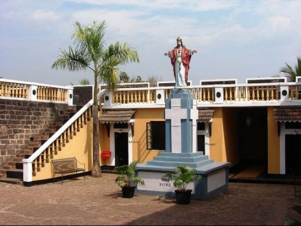 Goa photos, Tiracol Fort - Church