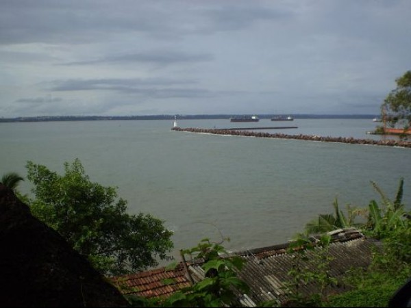 Goa photos, Mormugao Fort - Breakwater