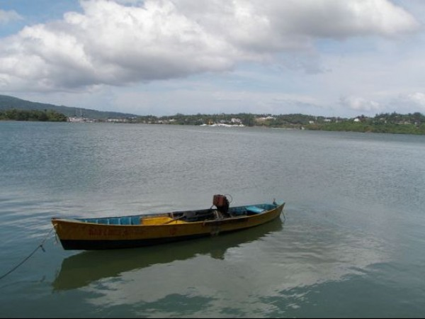 Andaman and Nicobar photos, Viper Island - Colourful Boat