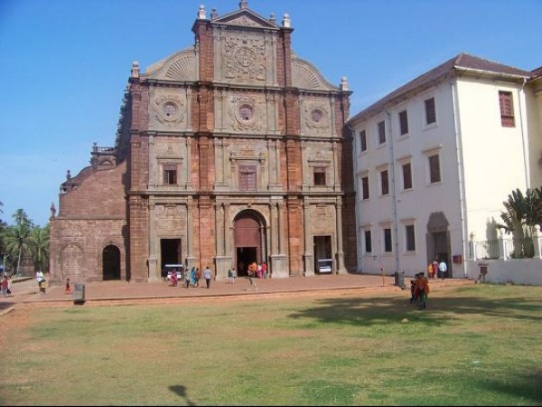 Goa photos, Basilica of Bom Jesus - A View