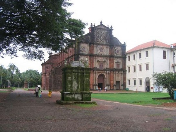 Goa photos, Basilica of Bom Jesus - Popular Pilgrimage