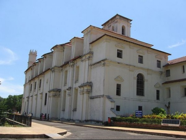 Goa photos, St. Francis of Assisi Church and Convent - A Side View