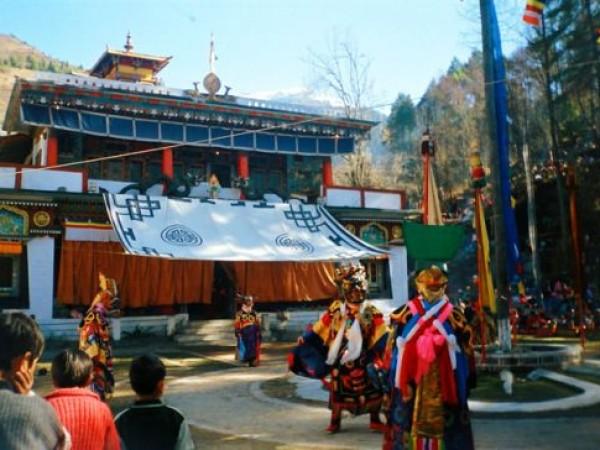 Lachung photos, Lachung Monastery - Gumpa Dance