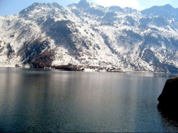 Gangtok photos, Tsongmo or Changu lake - Snowy Mounatins