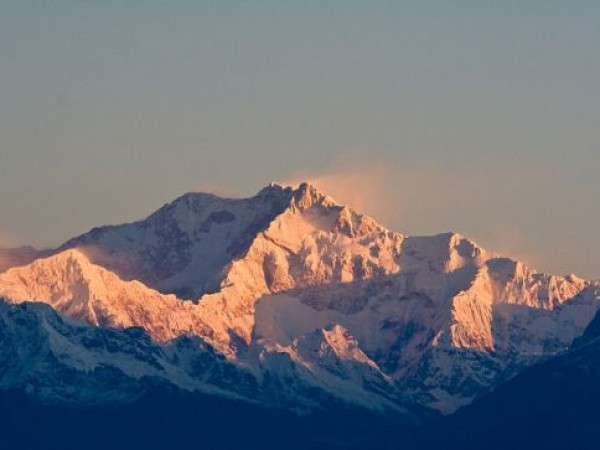 Kanchenjunga photos, Kanchenjunga - Sun-kissed Mountains