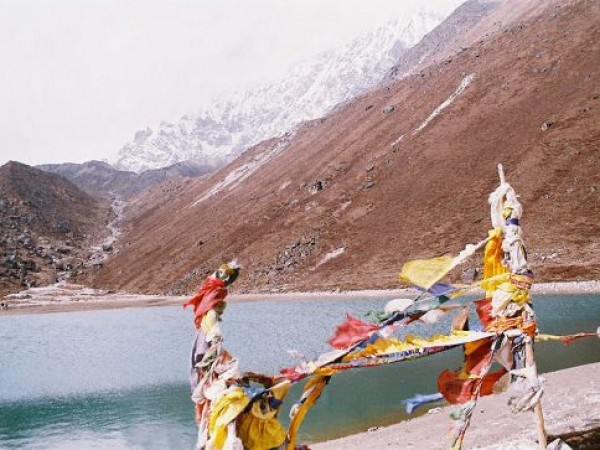 Kanchenjunga photos, Kanchenjunga - Samiti lake near Kanchenjunga