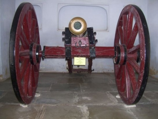 Ajmer photos, Archaeological Museum - Army Cannon