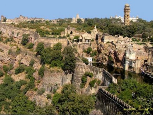 Chittorgarh photos, Chittorgarh Fort - Largest Fort