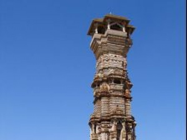 Chittorgarh photos, Kirti Stambh - Side view