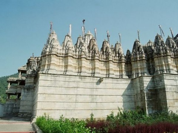 Ranakpur photos, Ranakpur Jain Temple - Side View