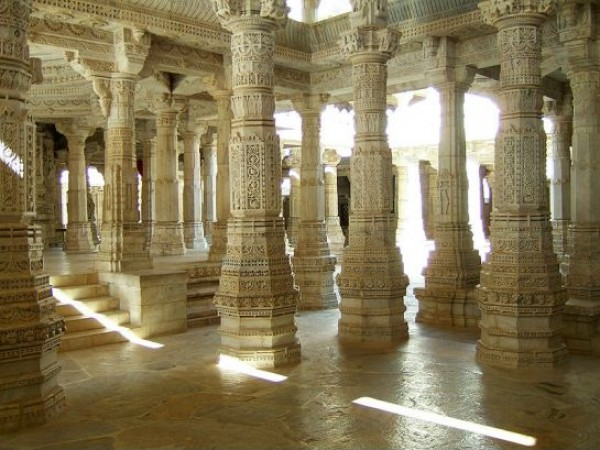 Ranakpur photos, Ranakpur Jain Temple - Carved Pillars