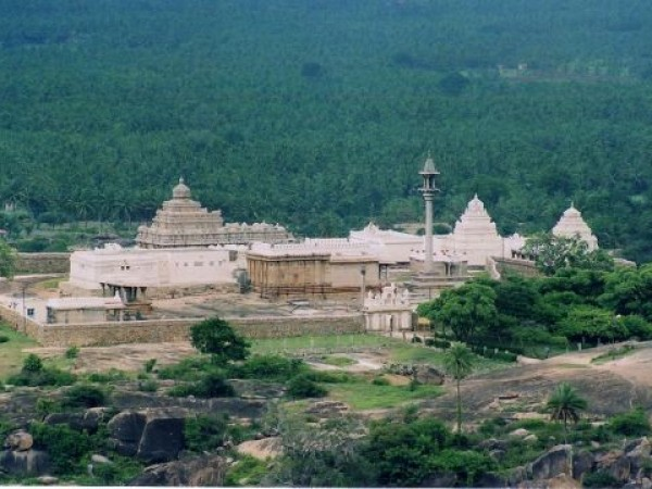 Sravanabelagola photos, Chandragiri Temple Complex