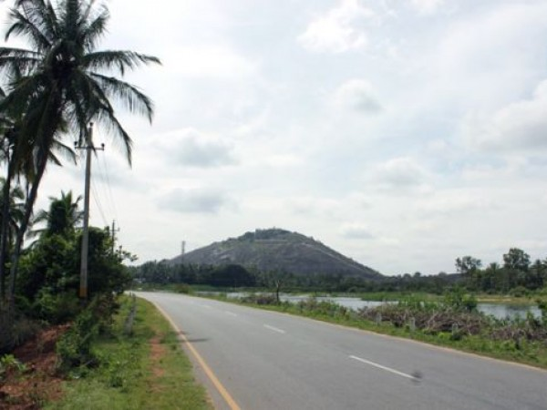 Sravanabelagola photos, Vindhyagiri Temple - Road Leading to the Vindhyagiri Hill
