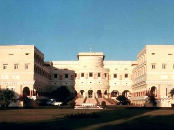 Sariska photos, Sariska Palace - Front view