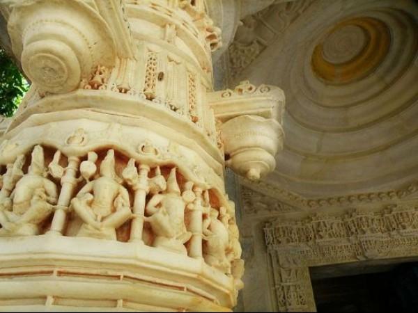 Mount Abu photos, Achalgarh - Pillar