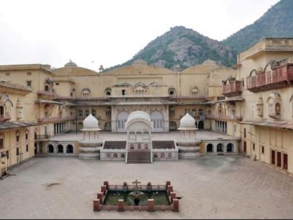 Alwar photos, City Palace - A Distant View