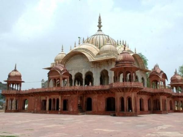 Alwar photos, Moosi Maharani ki Chhatri - Artistic Structure