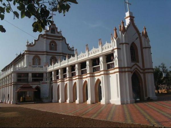 Alleppey photos, Edathua Church - A View From A side