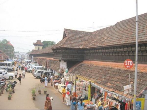 Thiruvananthapuram photos, Sri Padmanabha Swamy Temple - Roadway