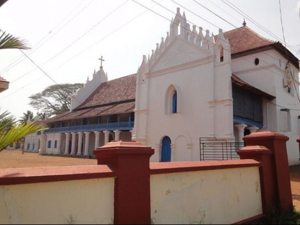 Alleppey photos, Champakulam Church - Entrance