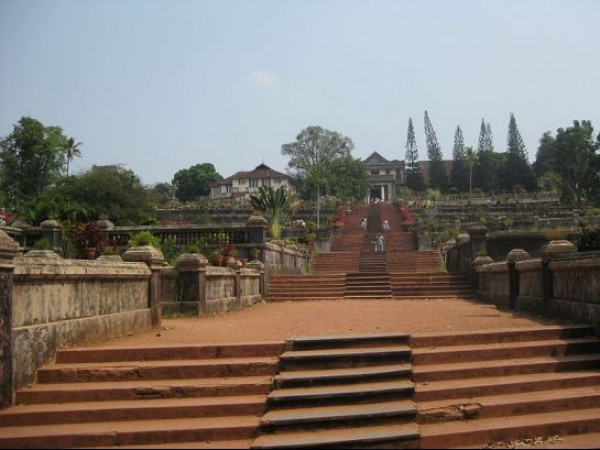 Chottanikkara photos, Thripunithura Hill Palace - Steps Leading to the Palace