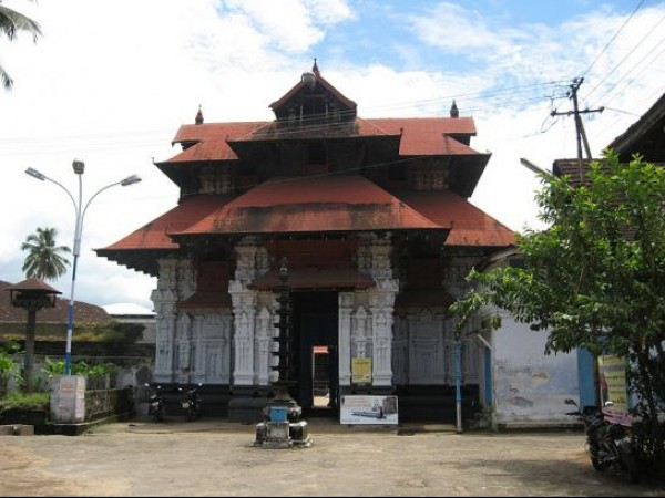 Chottanikkara photos, Poornathrayesa Temple - From Behind the Temple