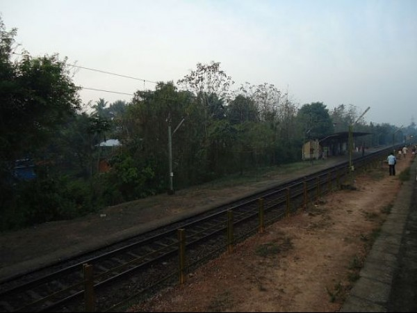 Kovalam photos, Chowara - Railway Station