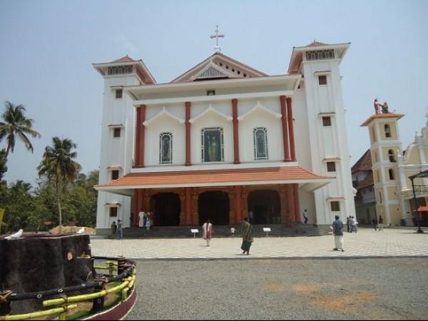 Malayattoor photos, Malayattoor Church - Morning Mass