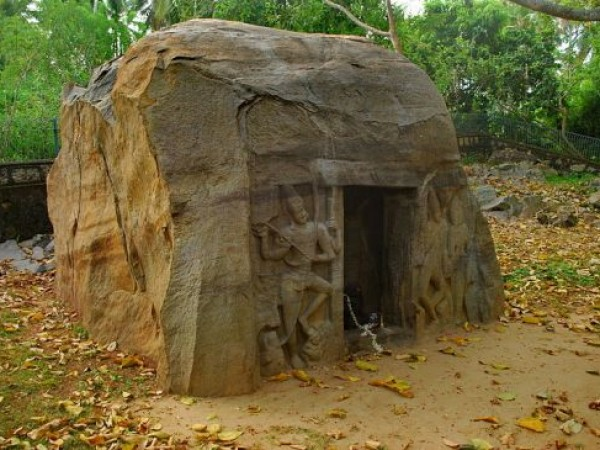 Kovalam photos, Vizhinjam Rock Cut Caves - Cave Temple
