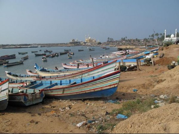 Kovalam photos, Vizhinjam fishing harbor - Boats on the Coastline