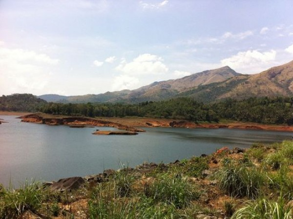 Wayanad photos, Banasura Sagar Dam - Pristine waters across the dam