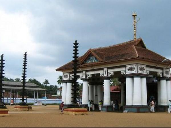 Kumarakom photos, Vaikom Mahadeva Temple - Temple Premises