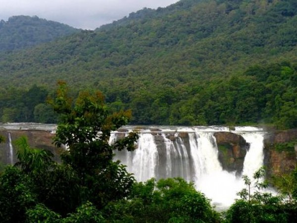 Athirappilly photos, Athirappilly Waterfalls - Surrounded by Dense Forests