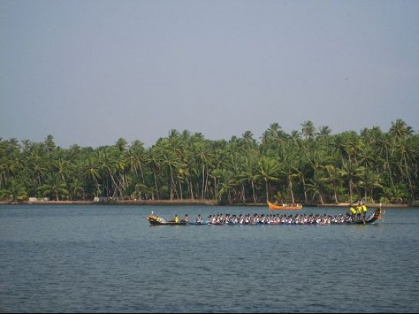 Varkala photos, Kappil Lake - Boat Race