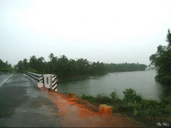 Varkala photos, Kappil Lake - Damp Bridge