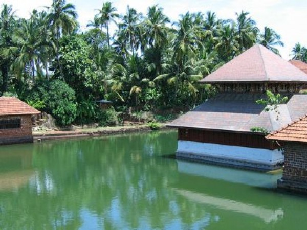 Bekal photos, Ananthapura Temple - Protected by crocodile
