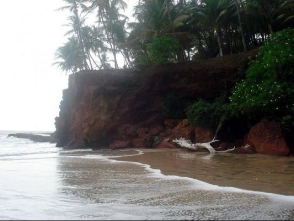 Kannur photos, Kizhunna Ezhara Beach - Scenic Coastline