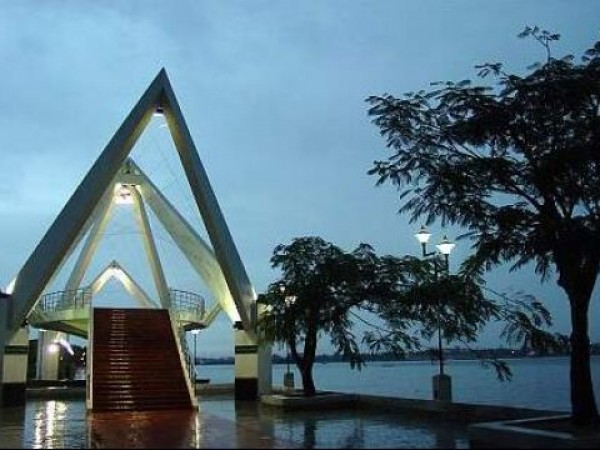 Kochi photos, Marine Drive - Waterfront
