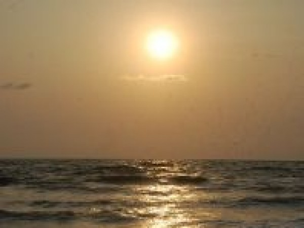 Kannur photos, Meenkunnu Beach - When Sun Kissed!