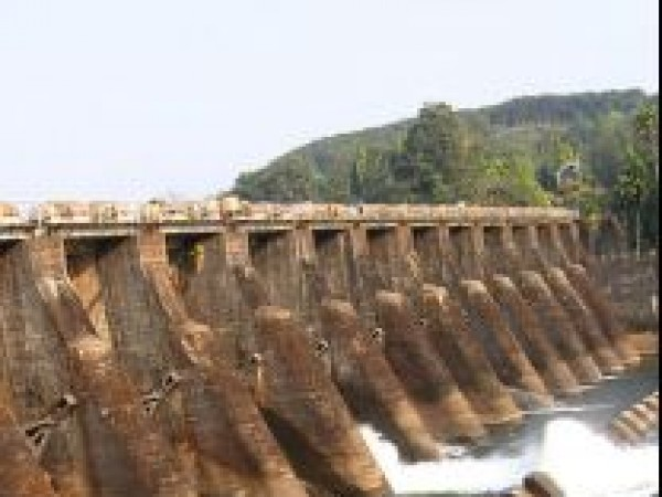 Kannur photos, Pazhassi Dam - A Side View