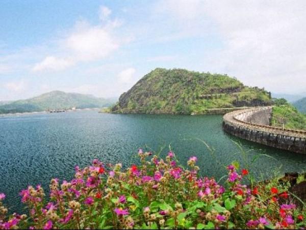 Idukki photos, Idukki Arch Dam - The Reservoir