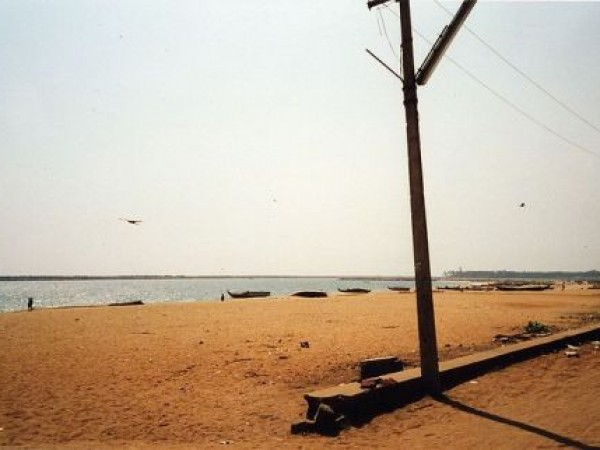Kollam photos, Kollam Beach - Boats on Coast