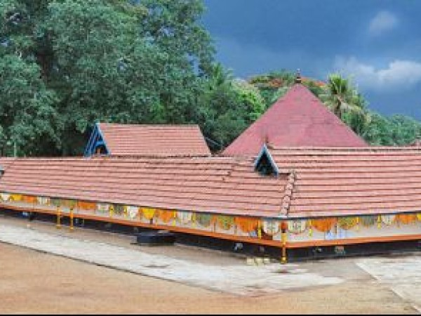 Adoor photos, Pandalam Mahadeva Temple  - A View