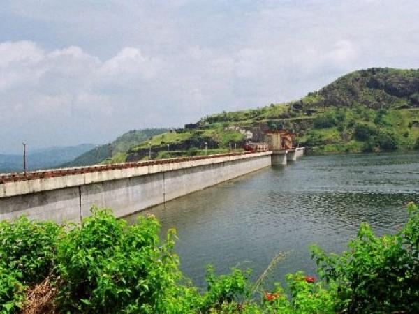 Idukki photos, Cheruthoni Dam - A Scenic Side View