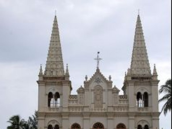 Kochi photos, Santa Cruz Cathedral - Front View