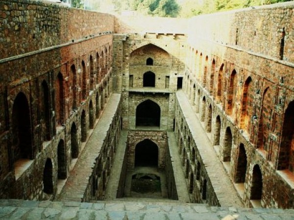 Delhi photos, Agrasen Ki Baoli - A Historic stepwell