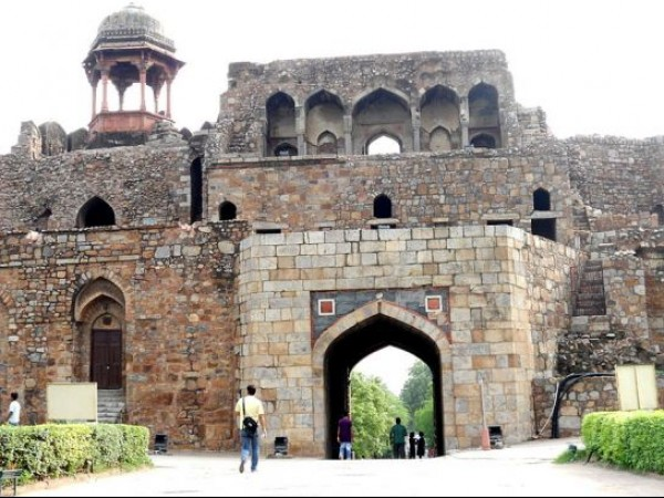 Delhi photos, Old Fort - The Entrance