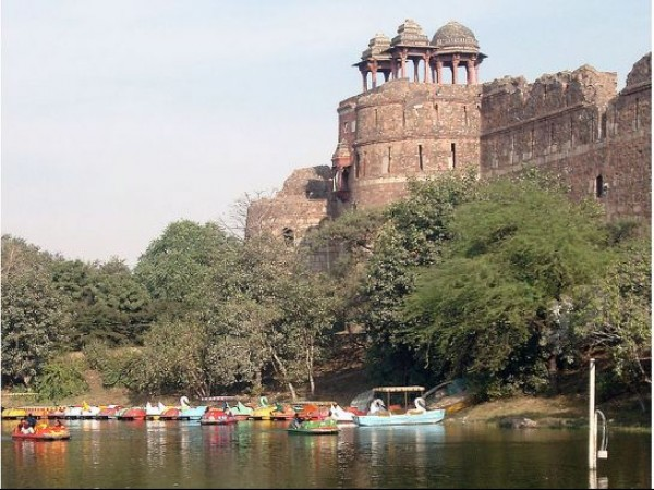 Delhi photos, Old Fort -A Lake Beside